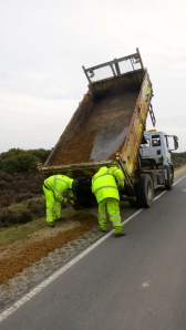 Gritting the road