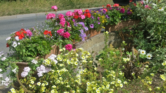 Window boxes on front wall