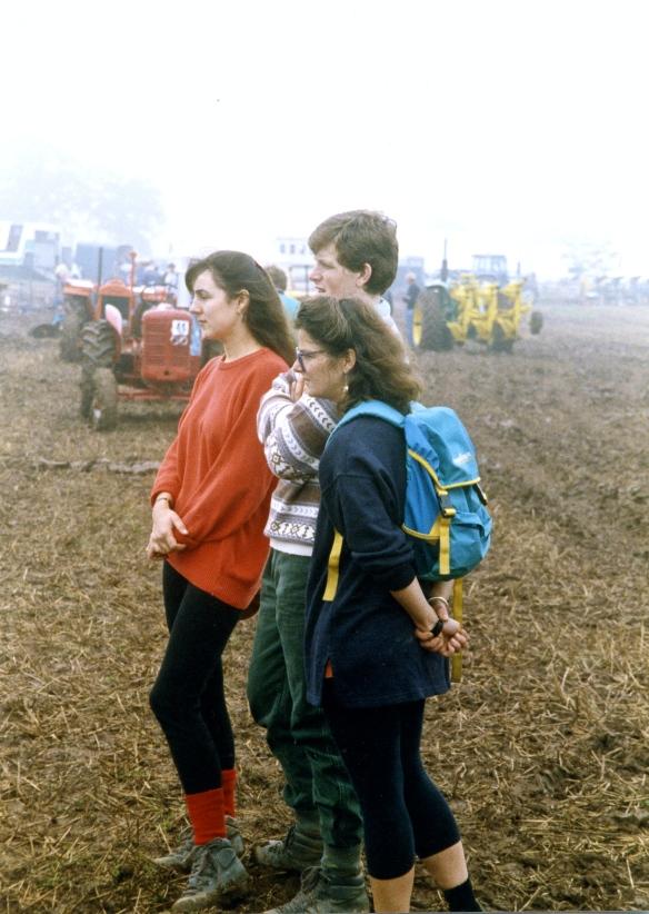 Jessica, Michael & Heidi, Ploughing contest 26.9.92 013