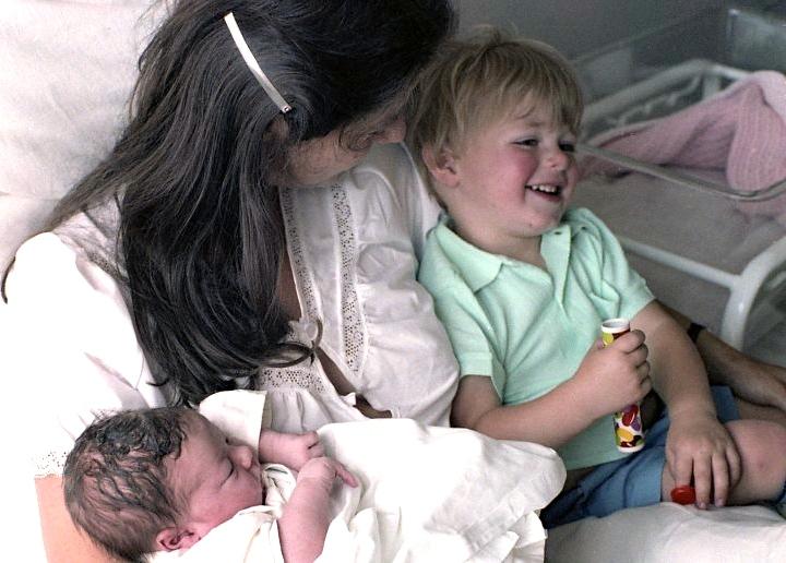 Jessica, Sam & Louisa 5.82 003