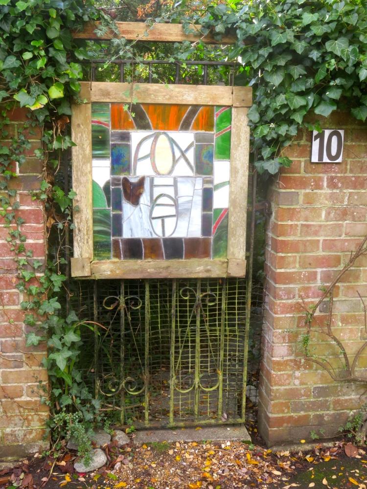Fox Hat gate