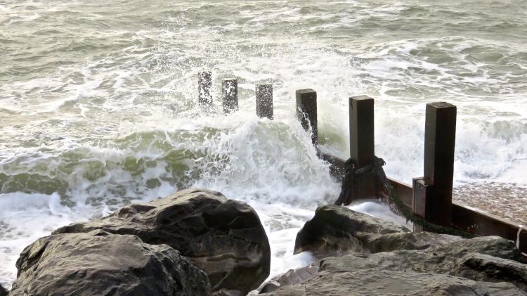 Waves on breakwater