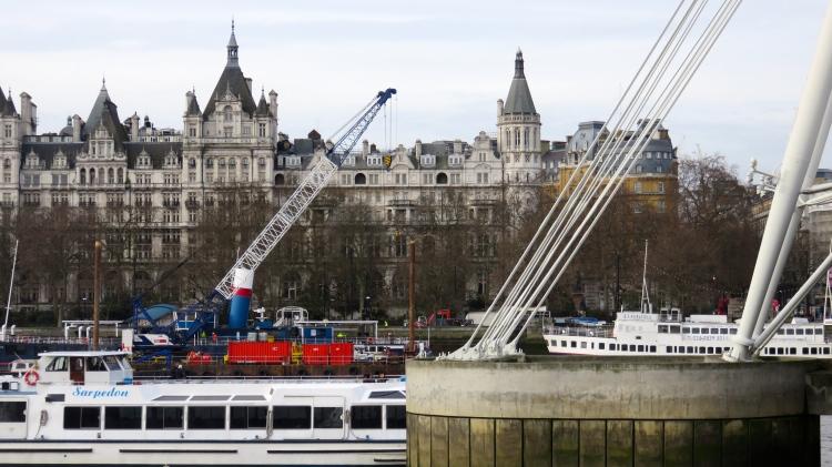 Golden Jubilee Bridge supports and crane