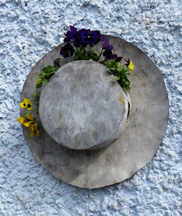 Hat with pansies