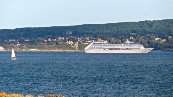 P&O cruise ship passing Isle of Wight