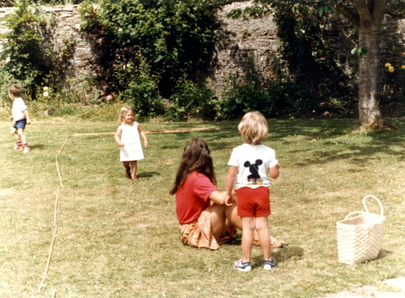 Jessica, Louisa, Sam 1985 2