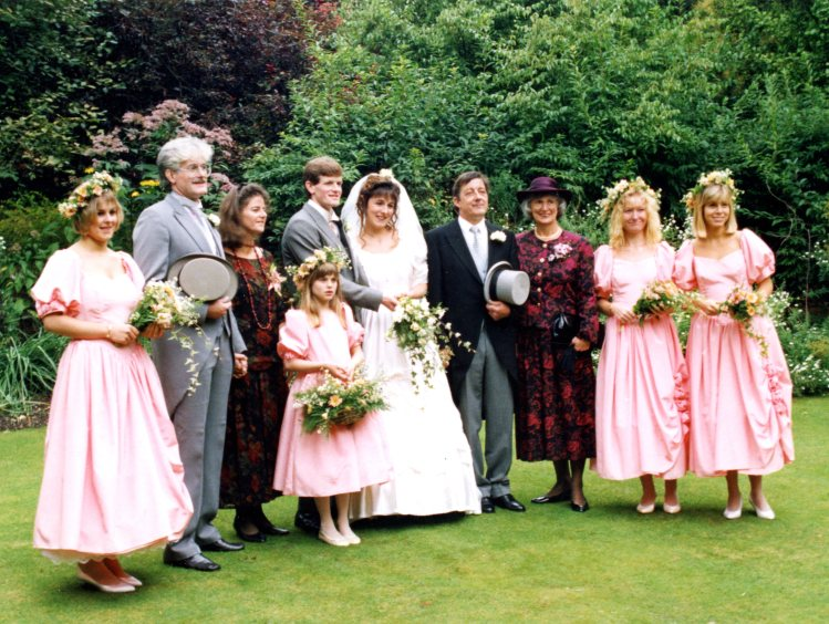 Michael & Heidi wedding couple, parents, and bridesmaids