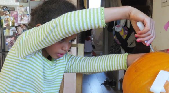 Jessica carving pumpkin 2