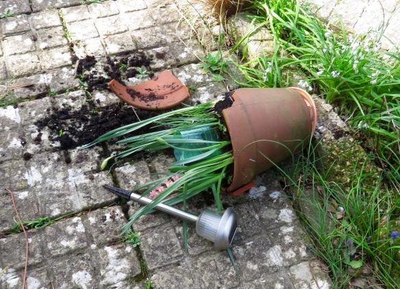 Broken pot 1