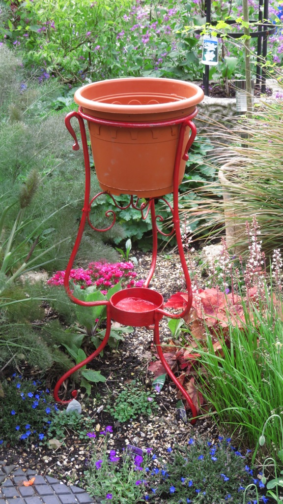 Planter in wrought iron