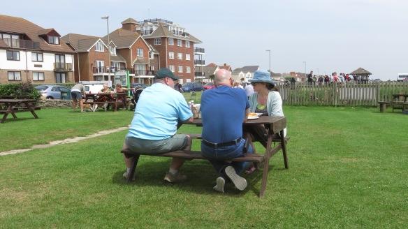 Beachcomber Cafe garden 2