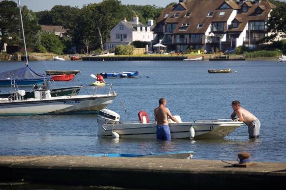 Motor boat leaners