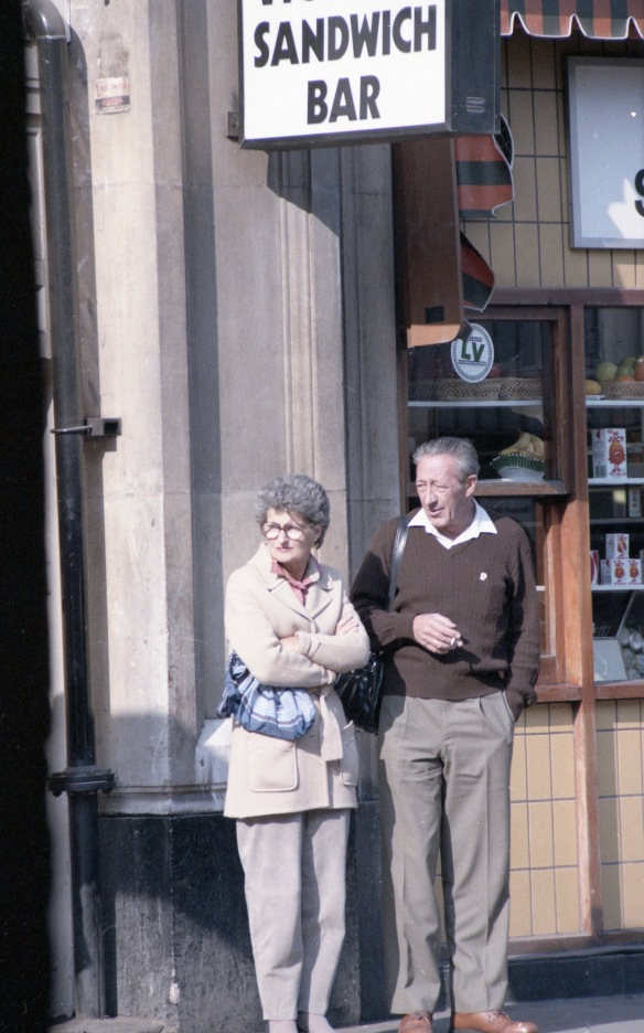 Victoria Sandwich Bar couple 2 1984