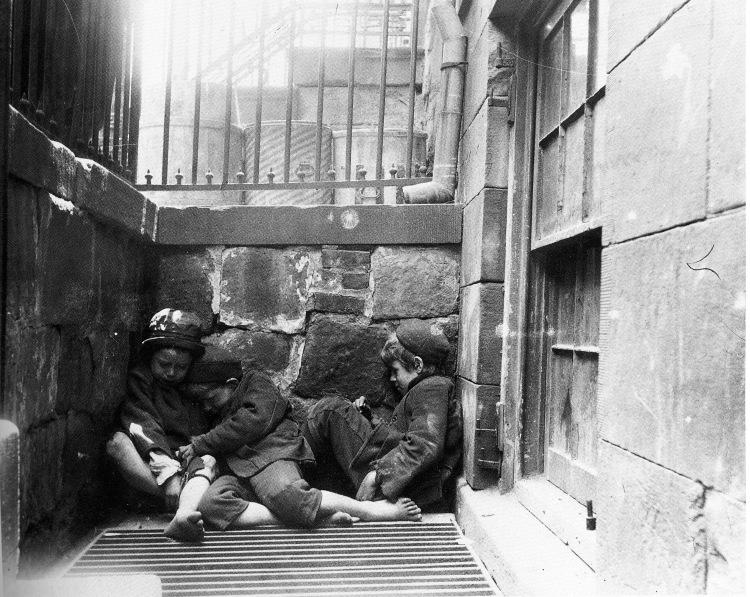 Street Arabs at Night 1889