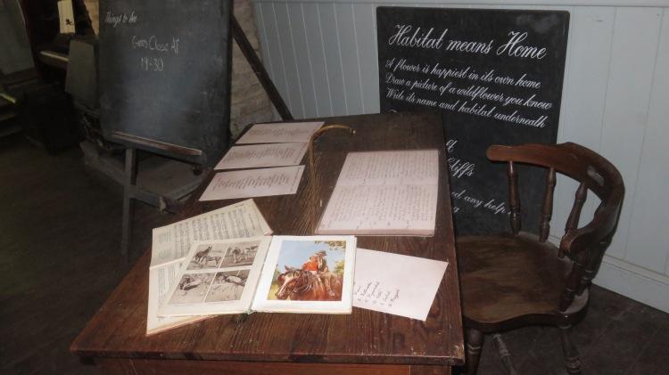 Teacher's desk 2