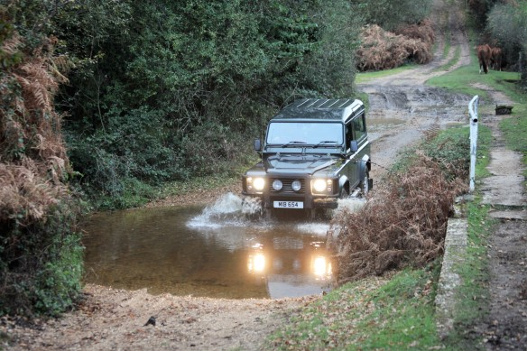 4X4 crossing ford