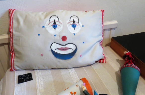 Clown cushion