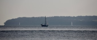 Yachts passing Isle of Wight 1