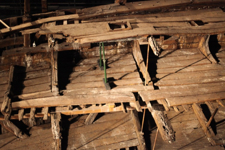 Deck skeleton 6