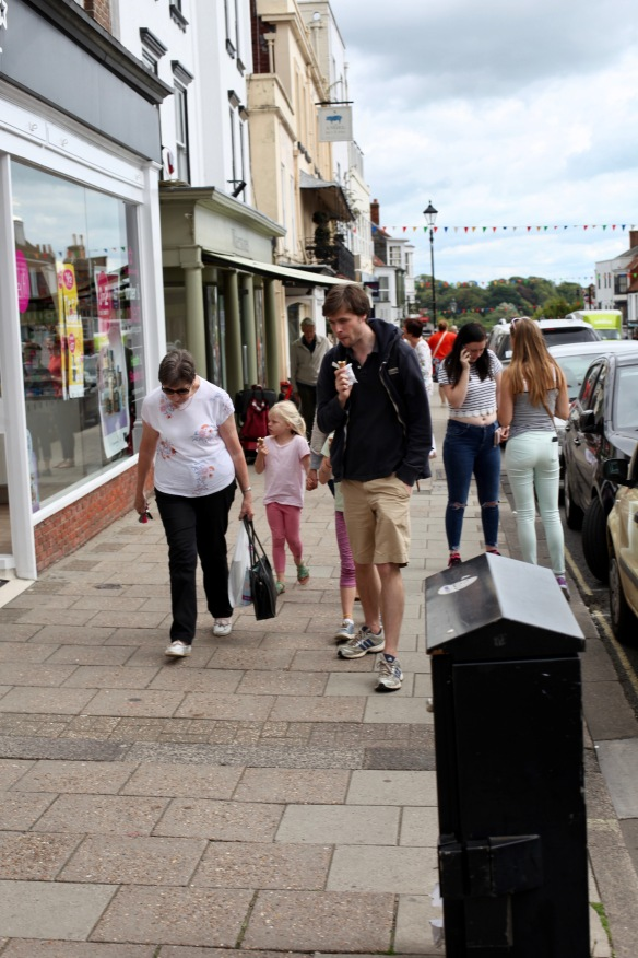 Ice creams, keys, mobile phone
