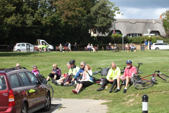 Cyclists lunching 1