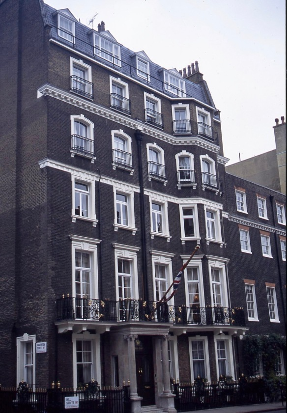 Hill Street/Waverton Street W1 11.04