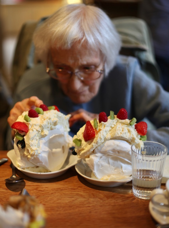 Mum and meringues 2