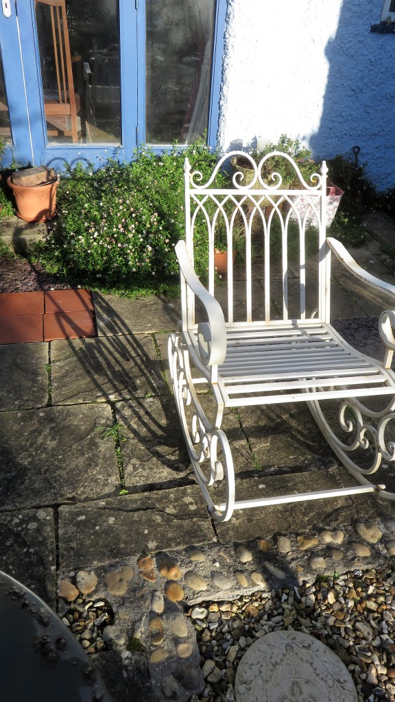 Garden rocker shadow