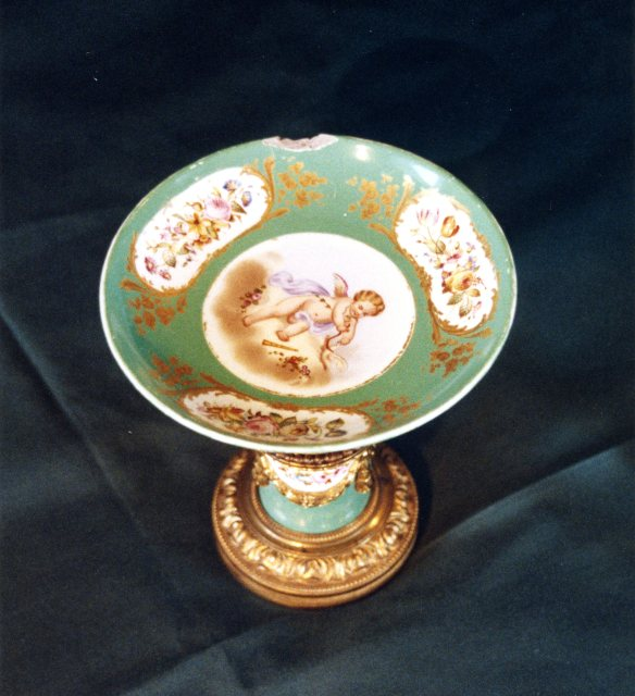 Porcelain class item for repair
