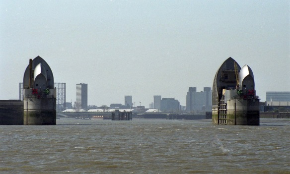 Thames Barrier 6.4.02 1