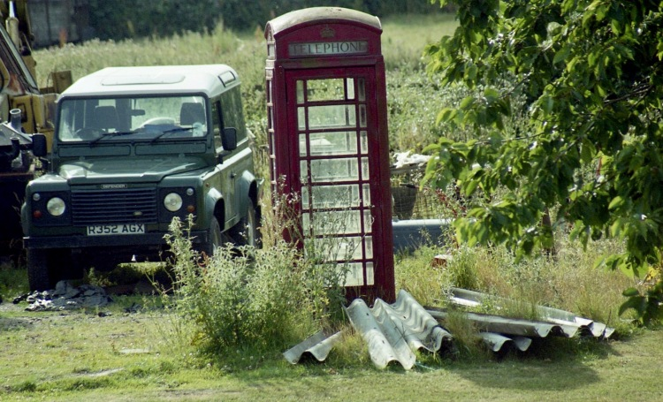 Garden with 4X4 and phone box 7.03