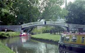 Sam going under Bridge at Braunston 7.03