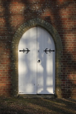 Doorway, Beaulieu cemetery