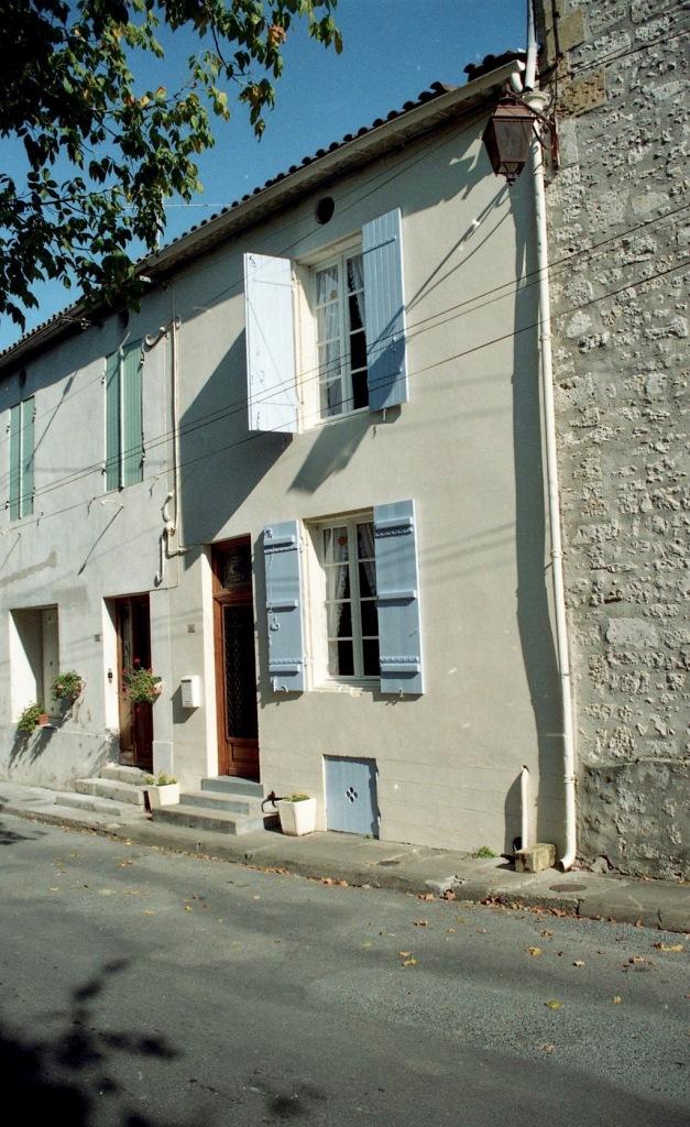 No 6 rue St Jacques 9.03