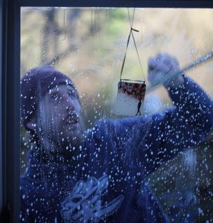 Aaron cleaning windows 7