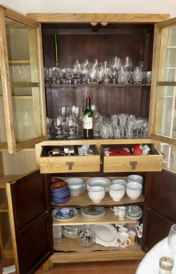 Kitchen glasses cabinet