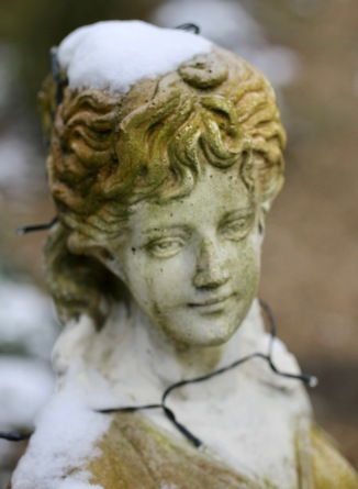Garden sculpture Florence with snow cap