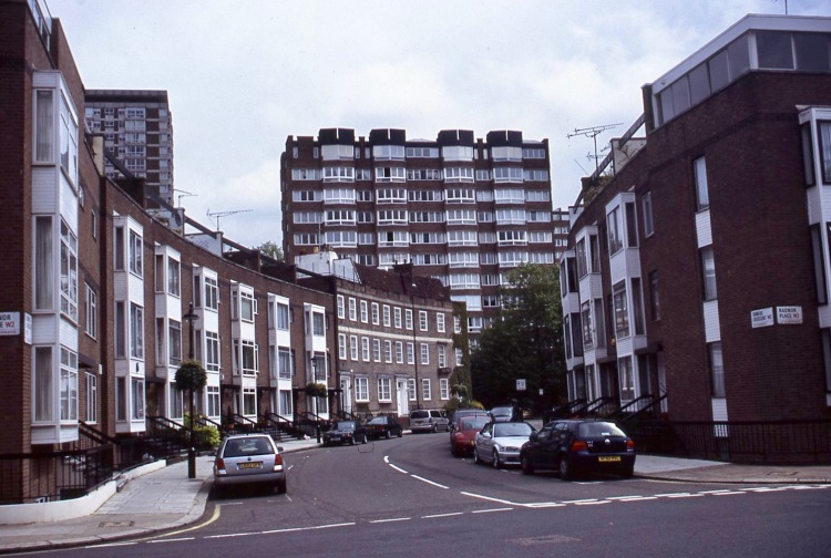 Radnor Place/Somers Crescent W2 7.05