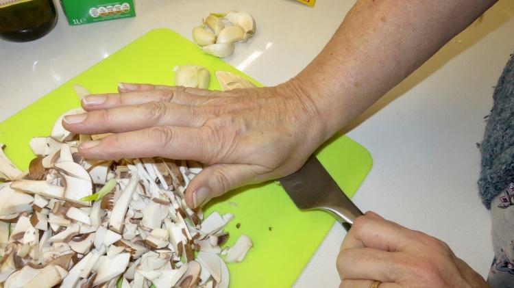 Garlic crushing