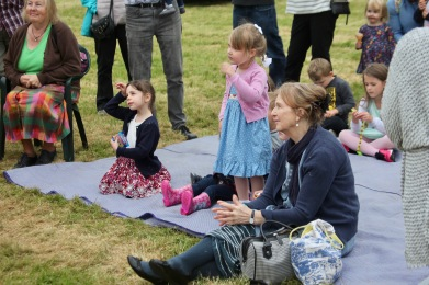 Punch and Judy audience
