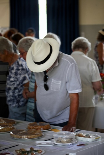 Hat over cakes